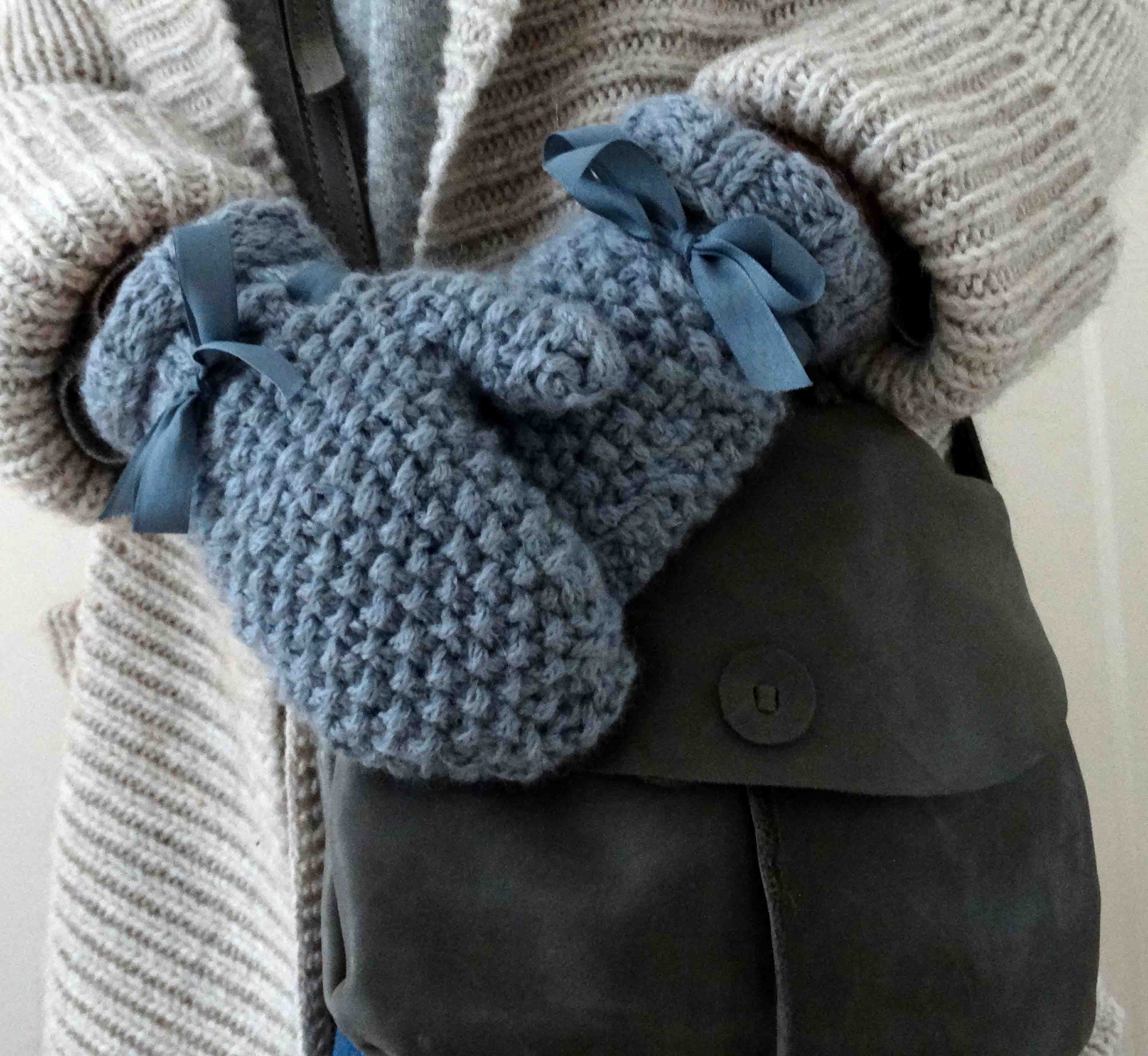 Moss Stitch Mittens – Made in Winchester