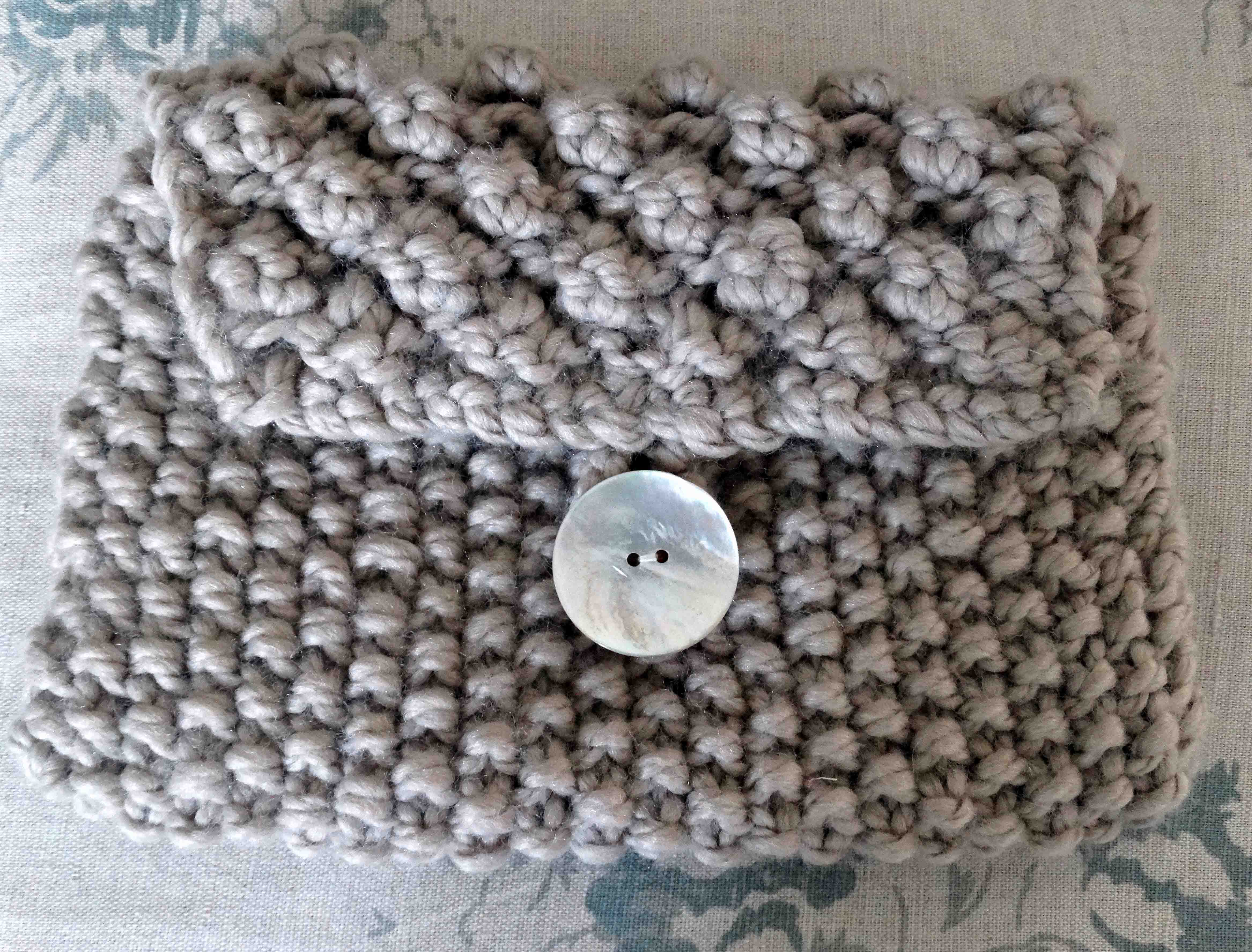 Knitting a Bramble Purse
